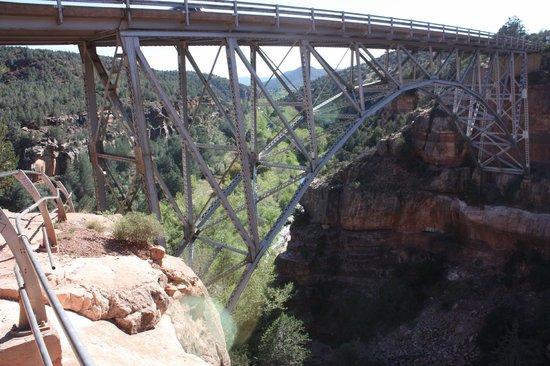 Huckaby Trail: Under Midgley Bridge