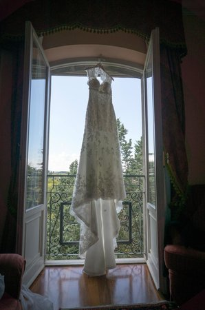 Il Patriarca: Dress in Window of Suite