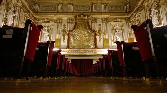 Palazzo Reale : La sala teatro
