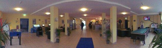 A&O Frankfurt Galluswarte: Reception / Wifi Area