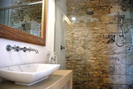 Masseria Vittoria : Our room bathroom