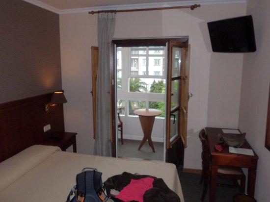 Hotel Herradura: Con balcón cerrado