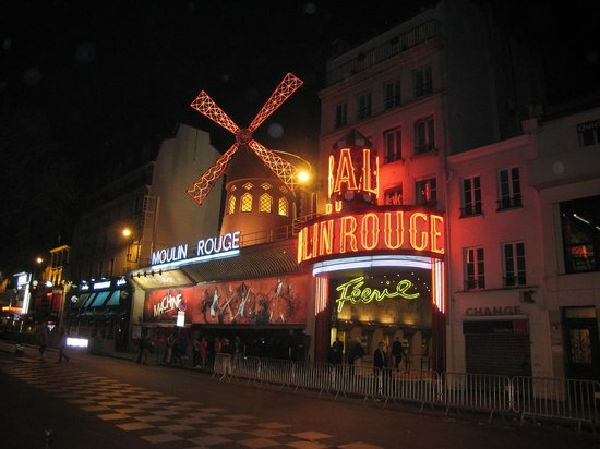Place Pigalle: moulin rouge