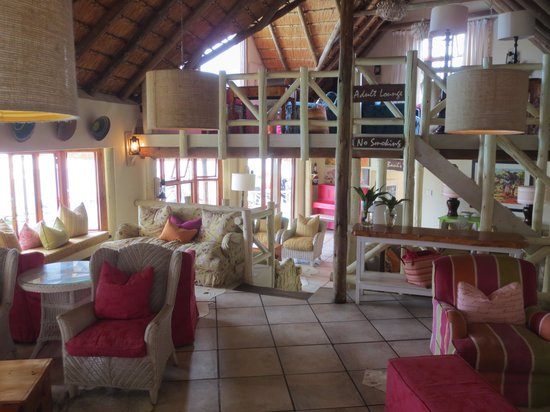 Umngazi River Bungalows & Spa : Common Lounge/Sitting Area