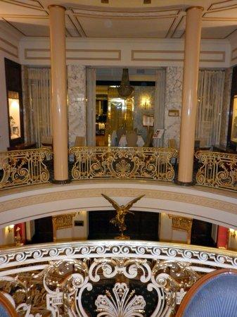 Hotel El Avenida Palace: main atrium area