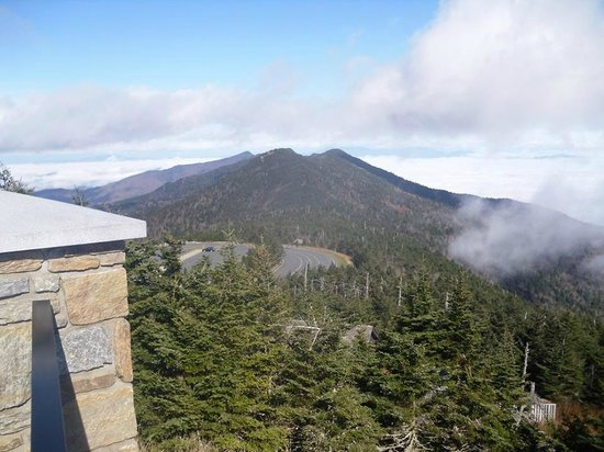 Mount Mitchell State Park : The view from the top down to the parking lot.