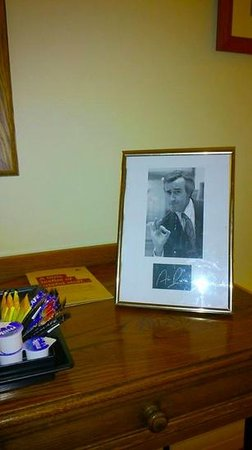 Innkeepers Lodge Hull, Willerby : Signed picture of Norwich's 4th biggest export.