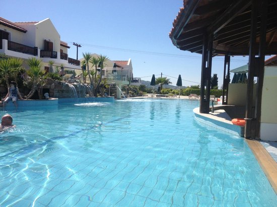 Aegean View Aqua Resort: Poolside bar