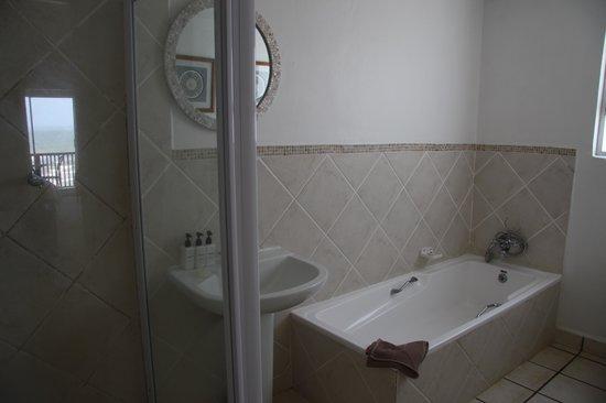 Morgan Bay Hotel: Bathroom