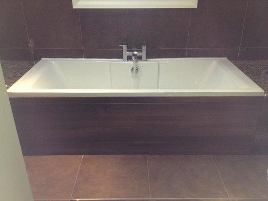 The Wensleydale Heifer: Huge bath