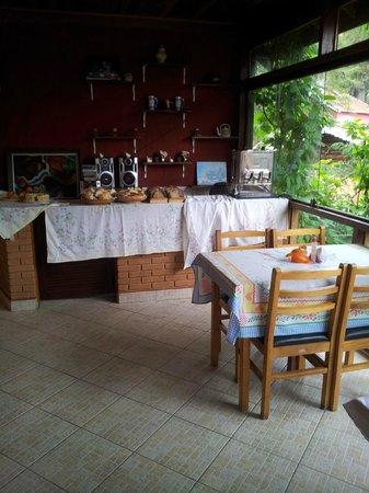 Pousada Villa Romana: Salão de café
