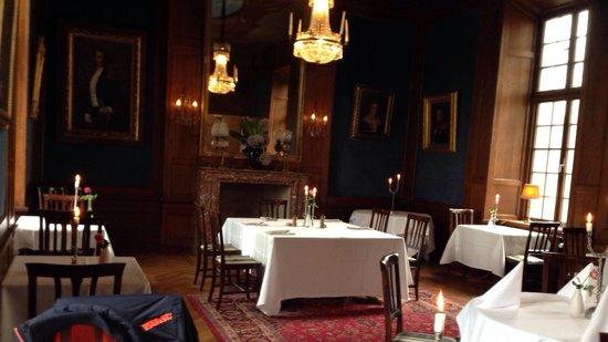 Kronovalls Vinslott: Matsalen hvor såvel middag som morgenmad indtages.