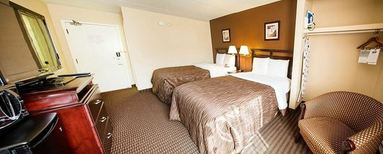 Chateau Regina Hotel & Suites: Double Room