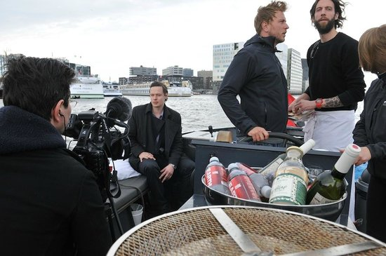 Toms Travel Tours : Ecotour, a group of journalist tours in a electric boat through Amsterdam with ecological food