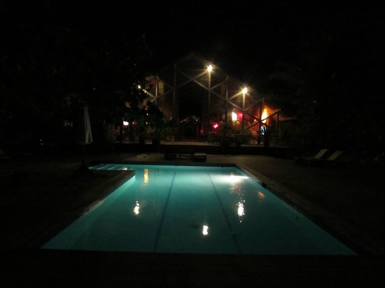 The Resort at Palmetto Bay : pool at night time