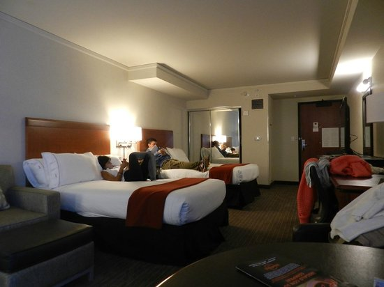 Holiday Inn Express Hotel & Suites San Francisco Fisherman's Wharf: cuartos comodos