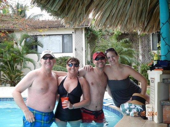 Jaguar Reef Lodge & Spa: Pool Bar!