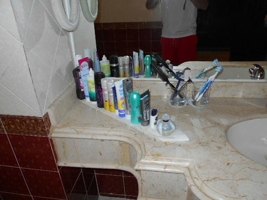 lti Tropicana Grand Azure : Bathroom, cleaned by Hazeem