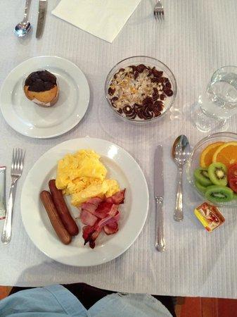 Hotel Mirachoro Praia: Breakfast