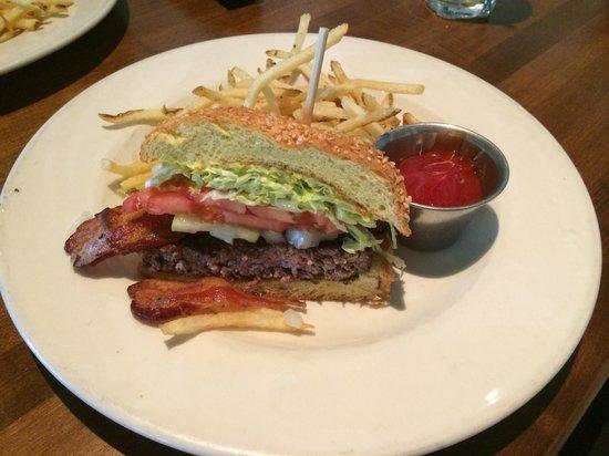 131 Main: Cheese burger