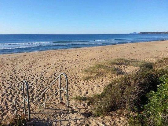 Ramada Resort Diamond Beach: Beautiful beach for a walk