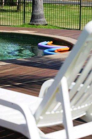 Ramada Resort Diamond Beach: Pool fun