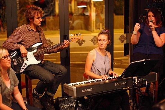 Cortado Restaurant: Live Entertainment - Gin & Jazz Night