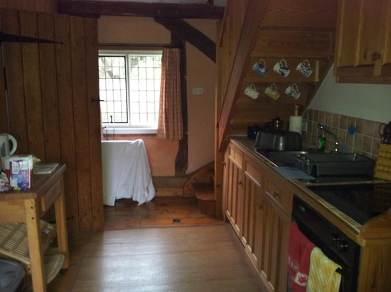 The Barn at the Old Cottage: Ample kitchen facilities