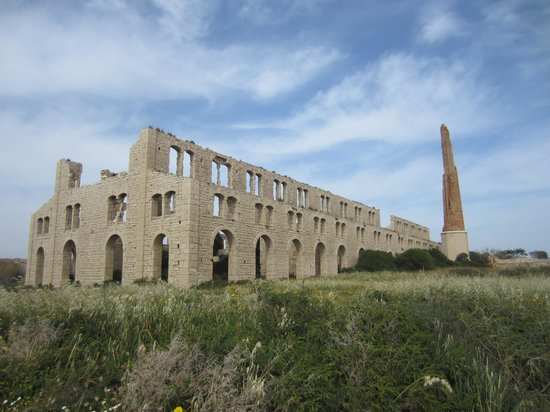 Hotel Novecento: The Mannara (disused brickworks)