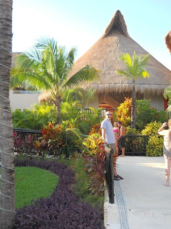 Catalonia Yucatan Beach: The lobby from the hotel side