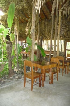 Orchid Garden Eco-Village Belize : Dining / Reception area with palm roofing