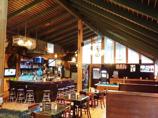Shasta Inn : Lounge Area