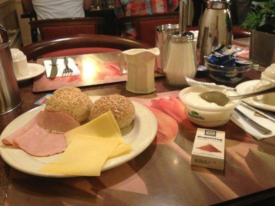 Best Western Dam Square Inn: café da manhã