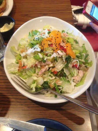 Mimi's Cafe: Asian Chicken Salad