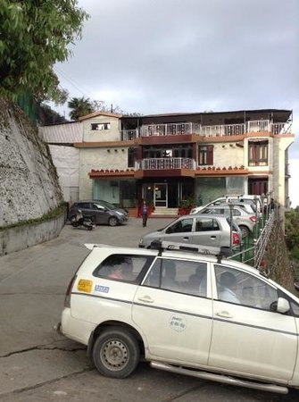 Sun N Snow Mussoorie : hotel with good parking space