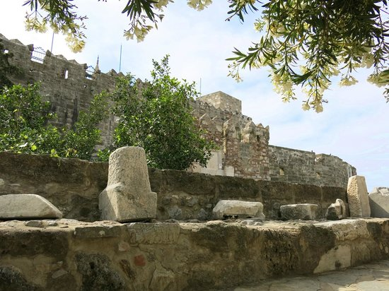Kalenin bekçisi - Picture of Castle of St. Peter, Bodrum City - TripAdvisor