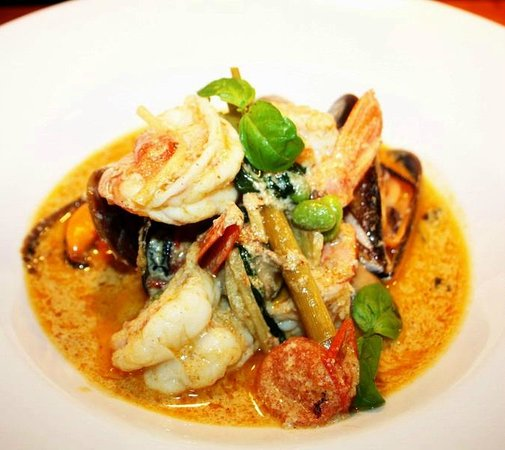 Appetite Palma: dinner menu - delicious seafood green curry