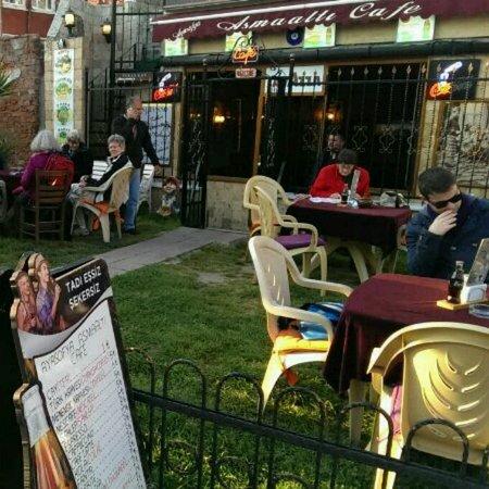 Asmaalti Nargile Cafe: ayasofya asmaaltı cafe&restaurant