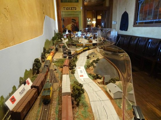 Maxim's At Oconomowoc Depot: Railway road model