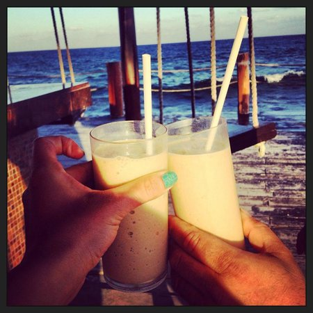 Dreams Puerto Aventuras Resort & Spa All Inclusive: Swing Bar
