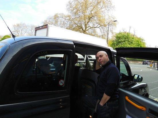 London Cab Tours: Graham and his black cab April 2014