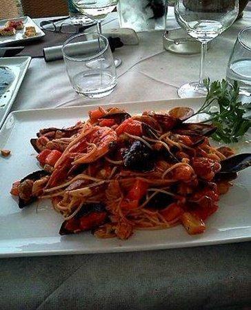 Il Sandolino: 海鮮スパゲッティ
