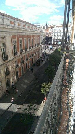 Hostal El Pilar: Uitzicht op Puerta del Sol