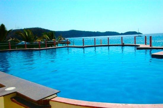 Amakal Hotel : Club de Playa... a solo $300.00 el dia!