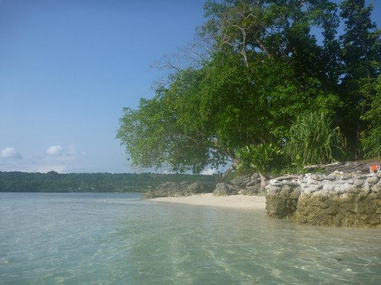 Ratua Private Island : Our 'private' beach