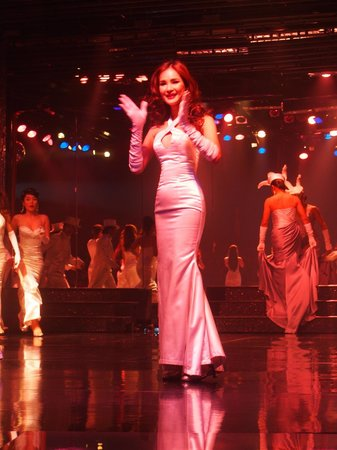 Calypso Cabaret: A beautiful woman! Wish I looked half that good