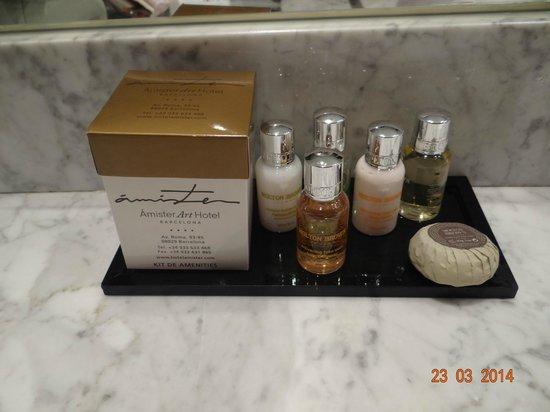 Sercotel Amister Art Hotel : Amenities del baño