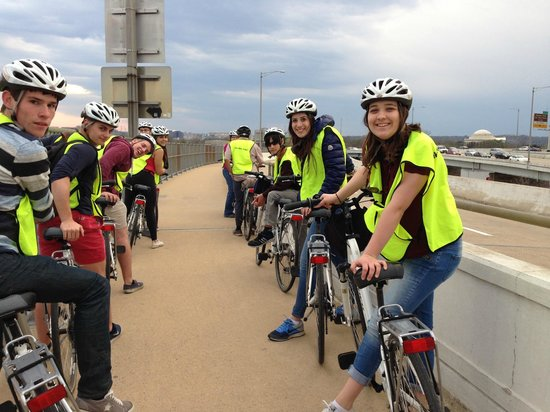 Bike and Roll DC: RYE taking Monuments at Night tour!