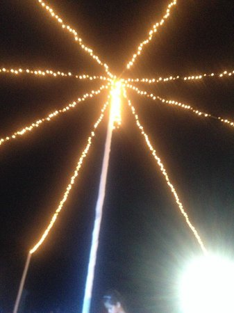 Pico Sands Hotel : carousel lights (wedding night at the beach)