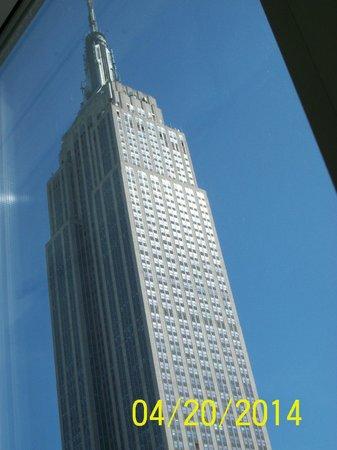 Hilton Garden Inn New York/West 35th Street: Empire Station Room Viewed from Room 2808